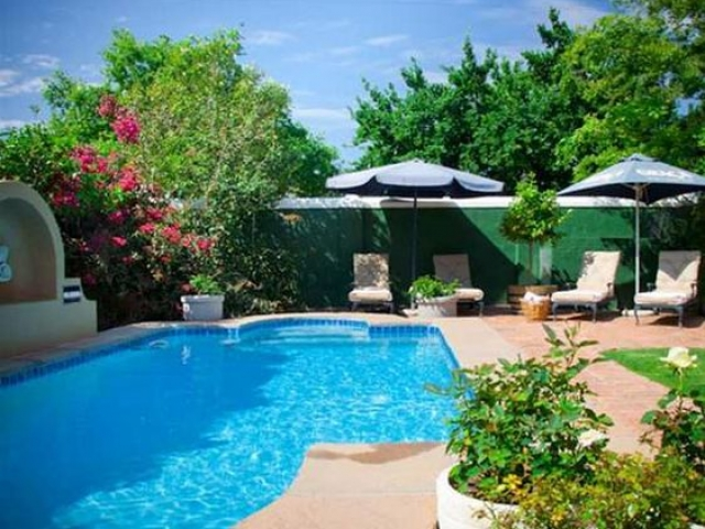 Rusthuiz Guest House pool, Cape Winelands