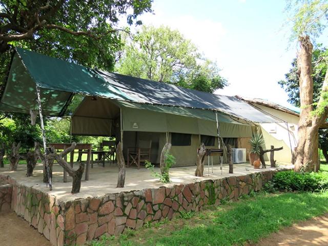 Croc Valley Camp, safari tent, Malawi and Zambia