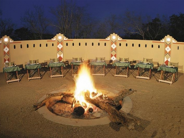 Elephant Plains Lodge boma