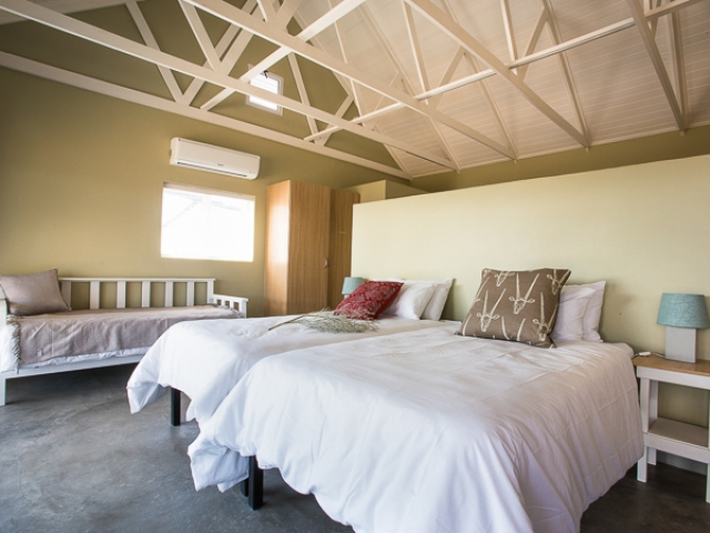 Desert, Dunes & Canyons - Kameelboomkoelte Guesthouse, Kalahari