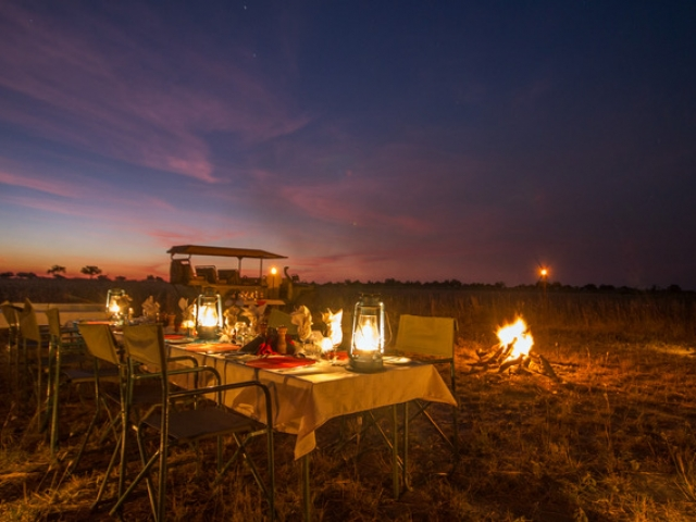 Kwando Lagoon Camp, Bush Dinner