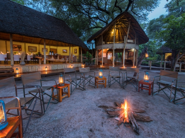 Kwando Lagoon Camp, Dining Area & Boma