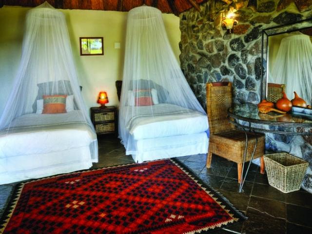 Thamalakane River Lodge, Babbler Chalet Interior