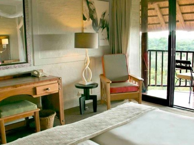 Victoria Falls Safari Lodge (upgrade accommodation)