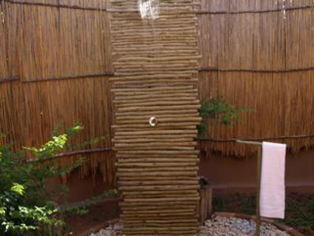 Naara Eco Lodge, outdoor shower