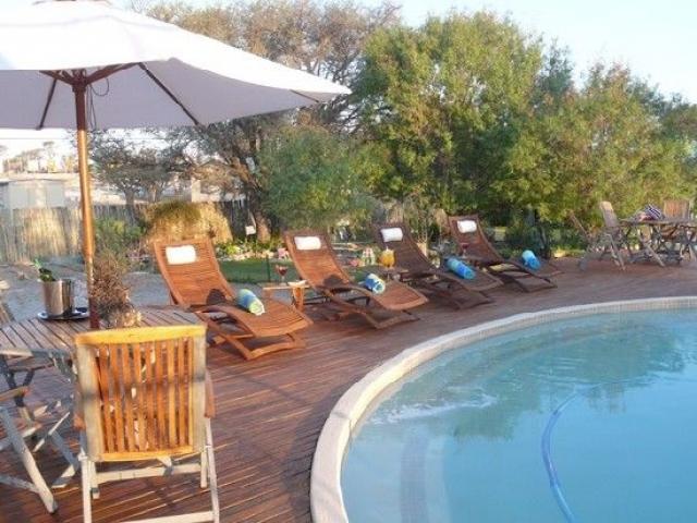 Kgalagadi Lodge pool, Kalahari