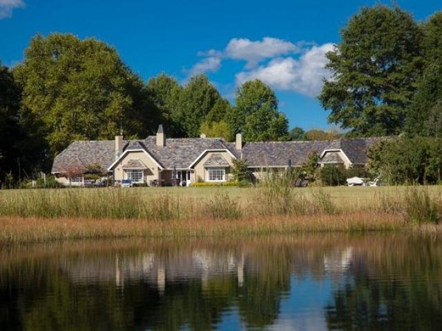 Moorcroft Manor (upgrade option)
