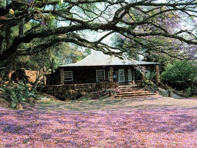 Reilly's Rock Hilltop Lodge, Swaziland (upgrade option)