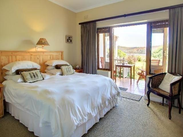 Waterfront Lodge bedroom, Knysna, Garden Route