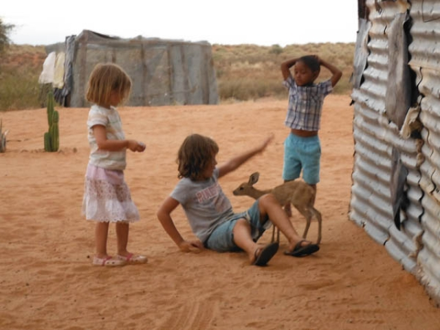 Rhian, Heather and Sharon saying hi to the steenbok, Om Jan's Farmstay, Kalahari