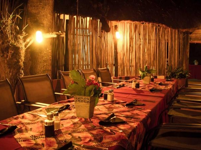 Umkumbe Safari Lodge, Kruger, outdoor dining, Kruger luxury safaris