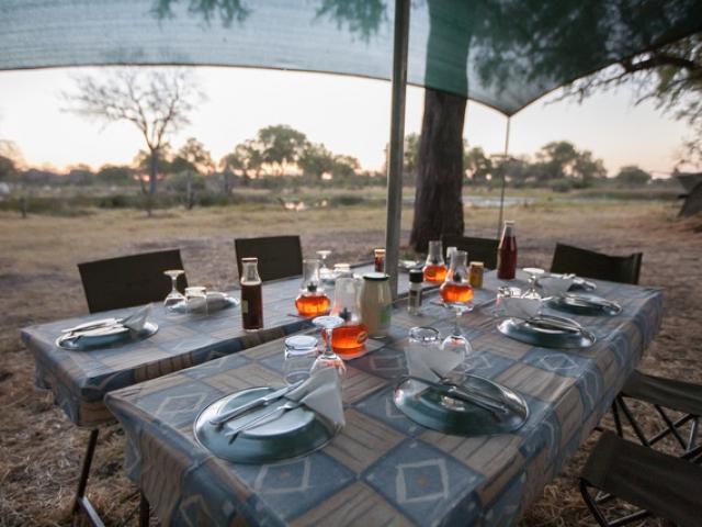 Essential Botswana, dining in the bush