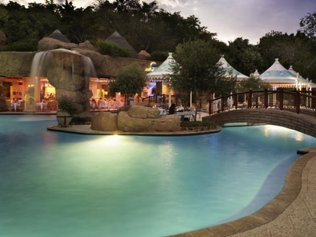 Sun City Cascades Hotel (Upgrade) - Pool