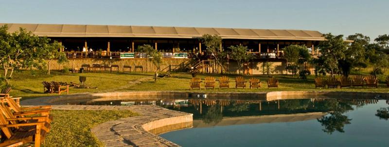 Family Holiday South Africa - Nkambeni Safari Lodge (Standard) - pool & restaurant