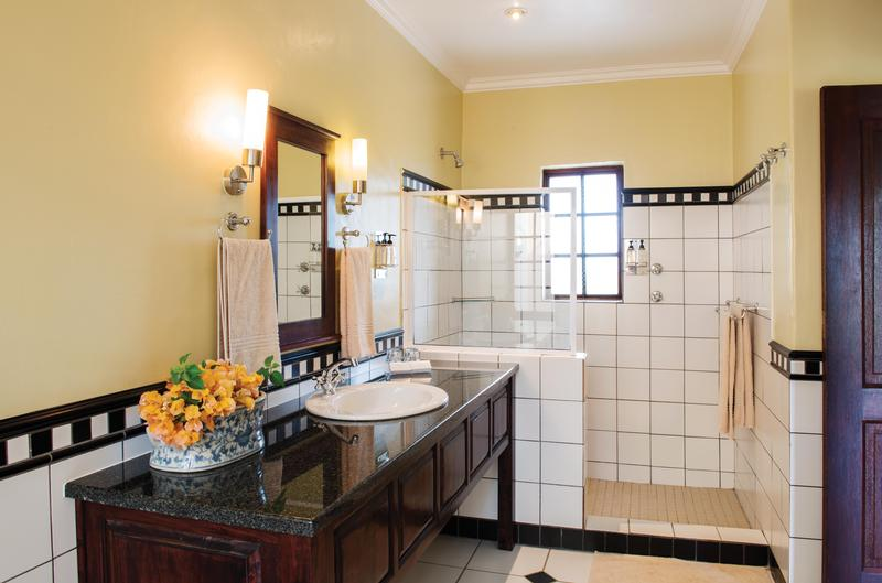 Family Holiday South Africa - Perry's Bridge Hollow (Upgrade) - Bathroom