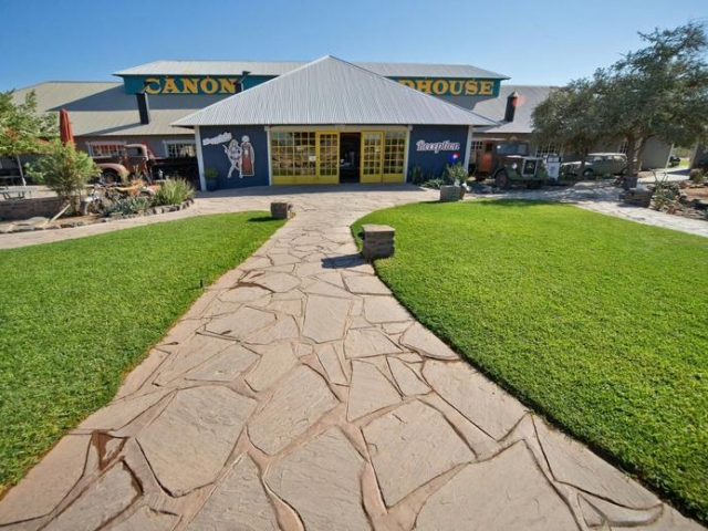 Cape to Windhoek - Canyon Roadhouse, Fish River Canyon (Standard)