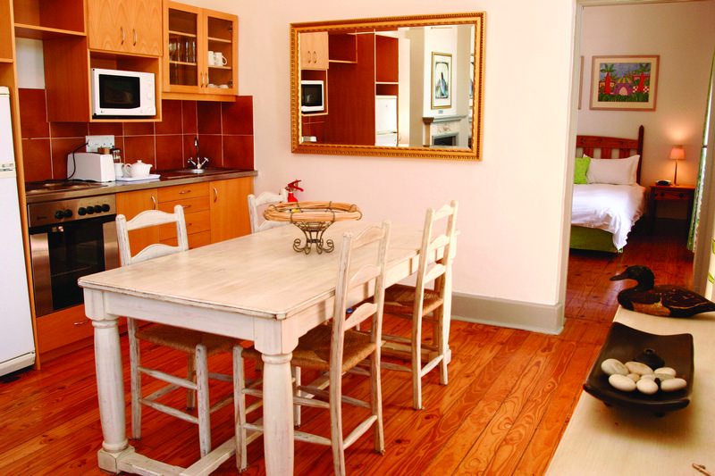 Family Holiday South Africa - De Waterkant Village Apartment Dining Room (Standard)