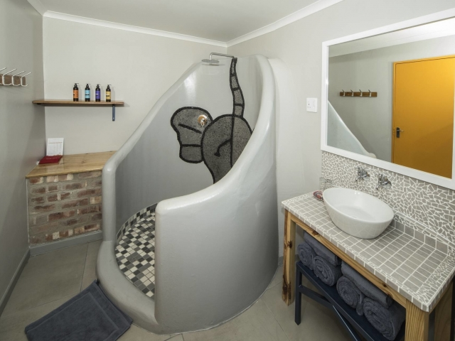 Etosha Magic - Etosha Safari Camp, Chalet (Bathroom)