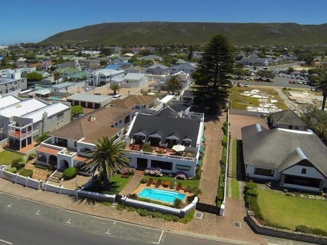 Family Holiday South Africa - La Fontaine Guest House, Hermanus (Upgrade)