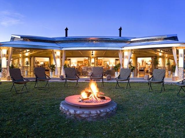 Namibia Wonders - Mushara Outpost Lodge, Lounge - Etosha (Upgrade)