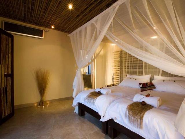 Namibia Wonders - Okaukuejo Resort, Bush Chalet - Etosha (Standard)