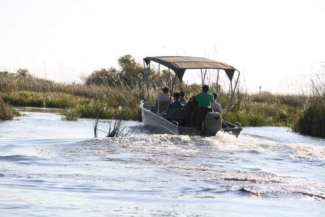 Family Self-Drive Botswana - Okavango Delta Cruise