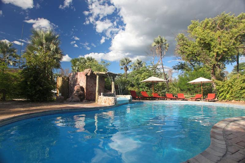 Family Self-Drive Botswana - Nata Lodge, Pool (Upgrade)