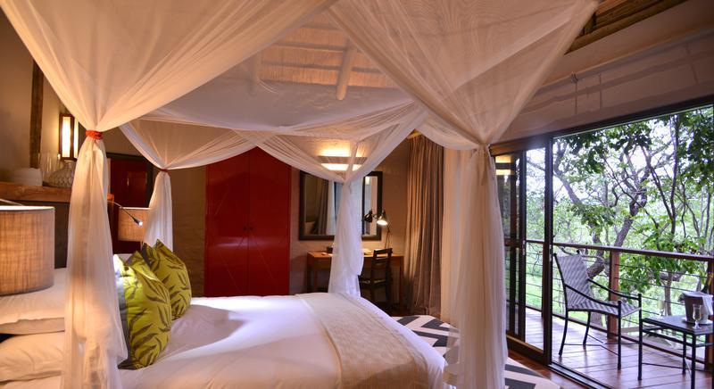 Family Self-Drive Botswana - Victoria Falls Safari Suites, Suite Bedroom (Upgrade)