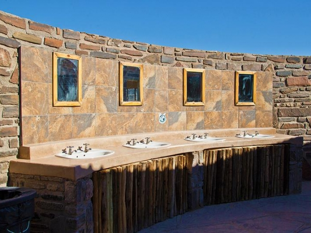 Complete Namibia - Canyon Roadhouse, Campsite Ablutions
