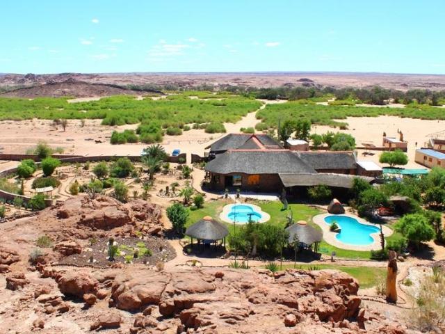 Complete Namibia - Brandberg White Lady Lodge