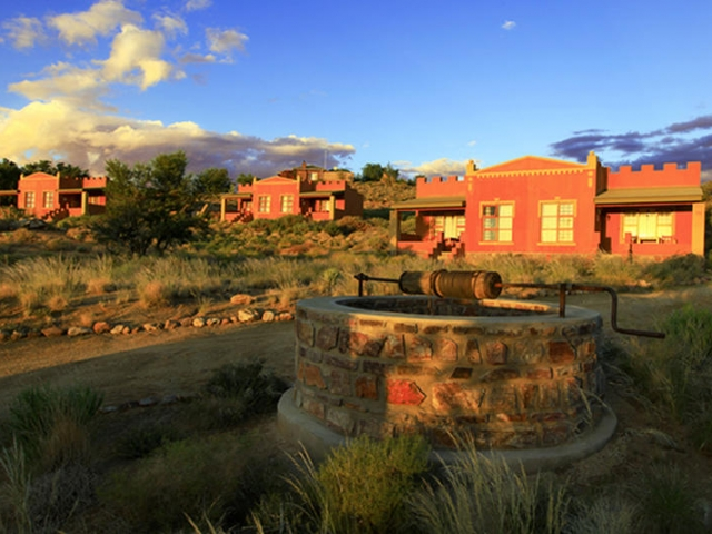 Cape to Windhoek - Desert Horse Inn, Aus (Standard), Chalets set amongst the rocks