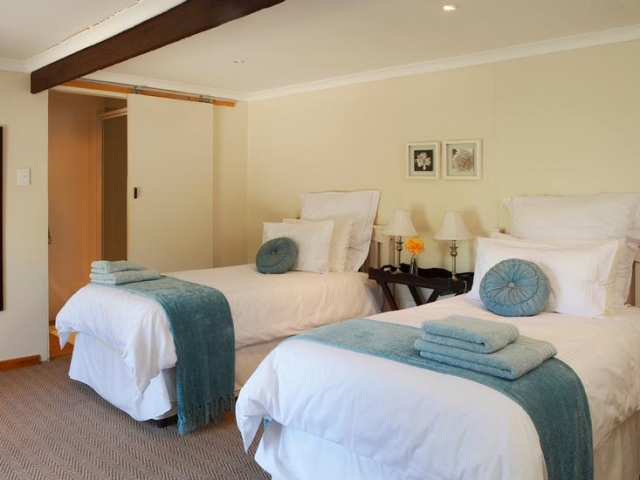 Cape to Windhoek - Yellow Aloe Guesthouse, Clanwilliam (Upgrade), comfortable rooms