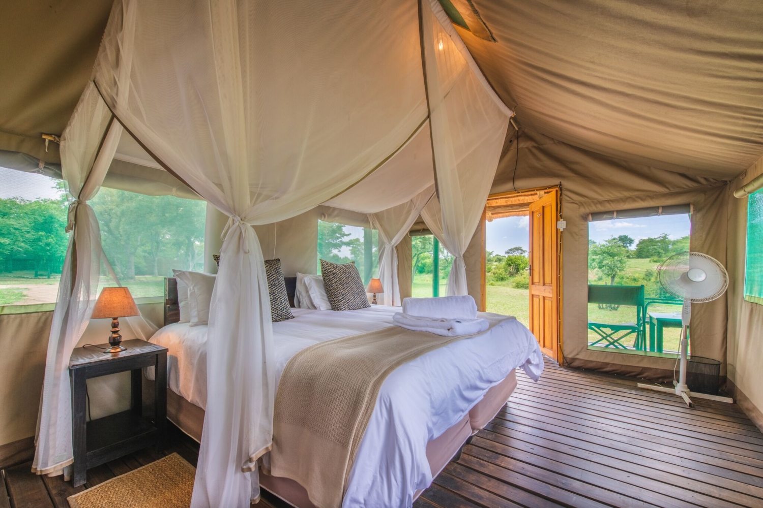 Shindezela luxury safari lodge