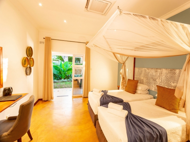 Phezulu Guest Lodge, Victoria Falls and Hwange, guest room