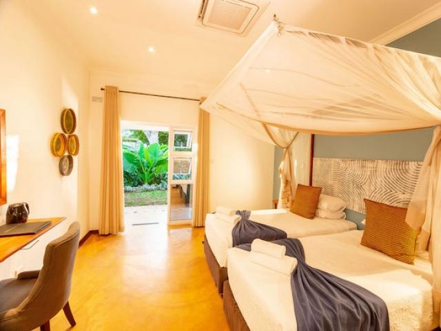 Phezulu Guest Lodge, Victoria Falls (Standard)